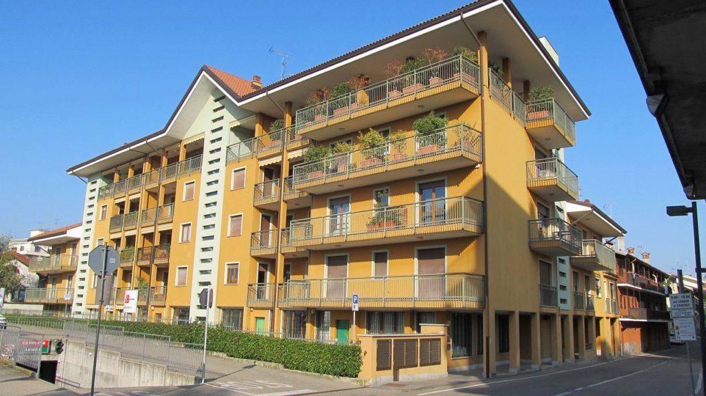 Rif. 576 – Affittasi ufficio in centro a Borgomanero (NO)
