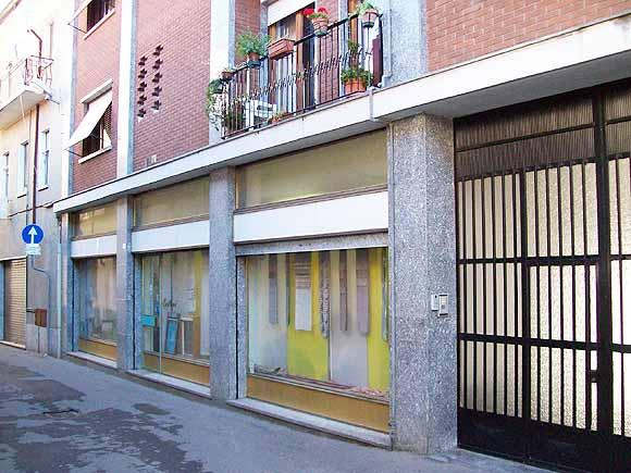 Rif. 353 – Vendesi Negozio Borgomanero centro (NO)