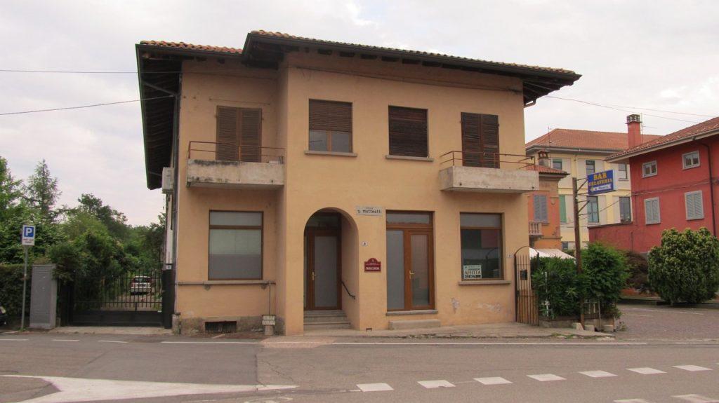 Rif. 578 – Negozio in affitto a Fontaneto
