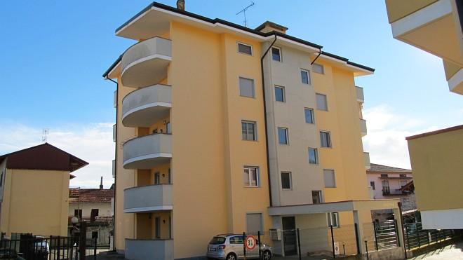 Rif. 1955 – Quadrilocale in vendita a Borgomanero (NO)