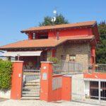 Rif. 2336 – Vendesi villa singola con giardino