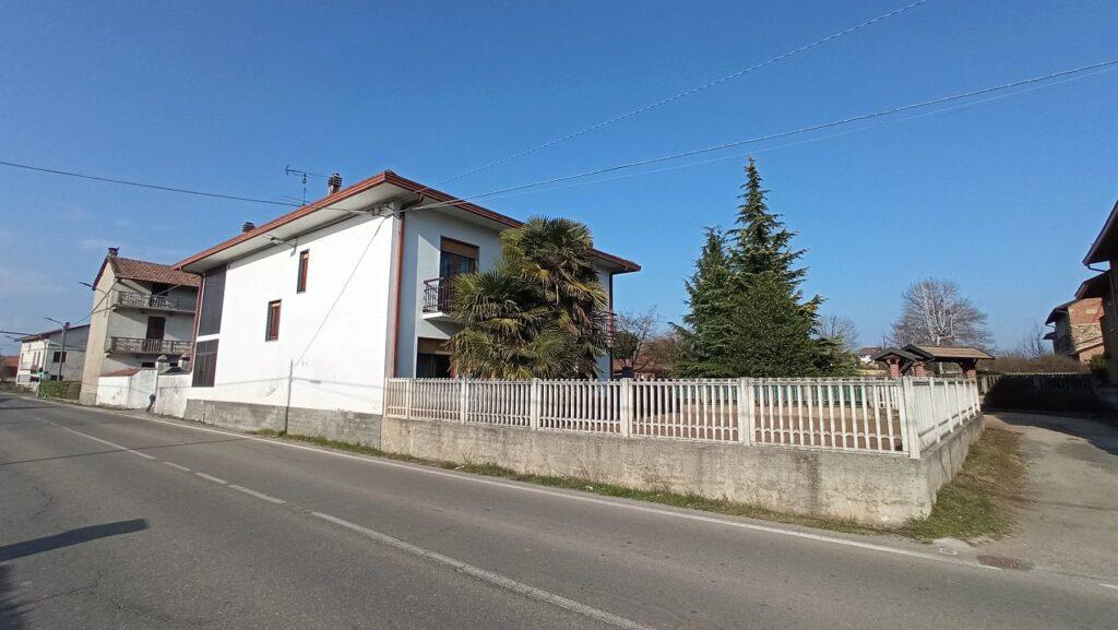 Rif.590 – Casa indipendente in vendita a Suno