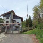 Rif.598 – Casa indipendente con giardino in vendita a Gattinara