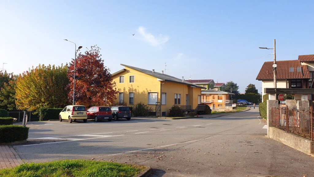 Rif.2351 – Casa in vendita a Momo (NO)